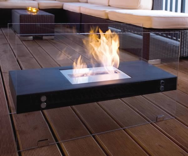 Maison Bertet Floating Rectangle Fireplace