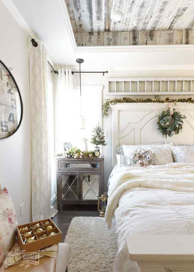 15 Outstanding Country Bedroom Ideas & Decorating Styles