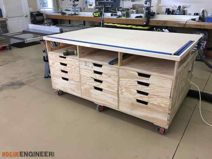 15 Best Work Bench Ideas and Different Designs for Your Tool Shed