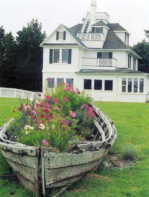 Floating Boat garden idea