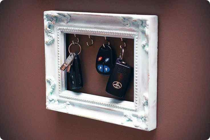 Key Holder Picture Frame