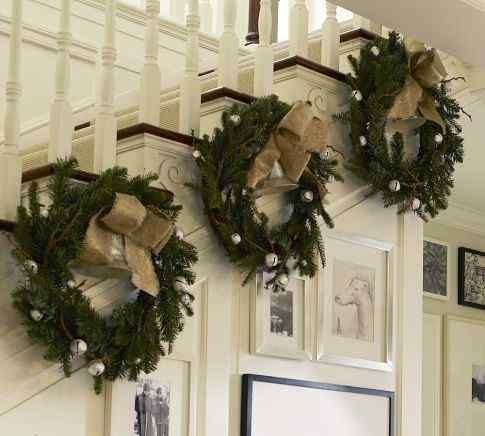 Christmas railing design